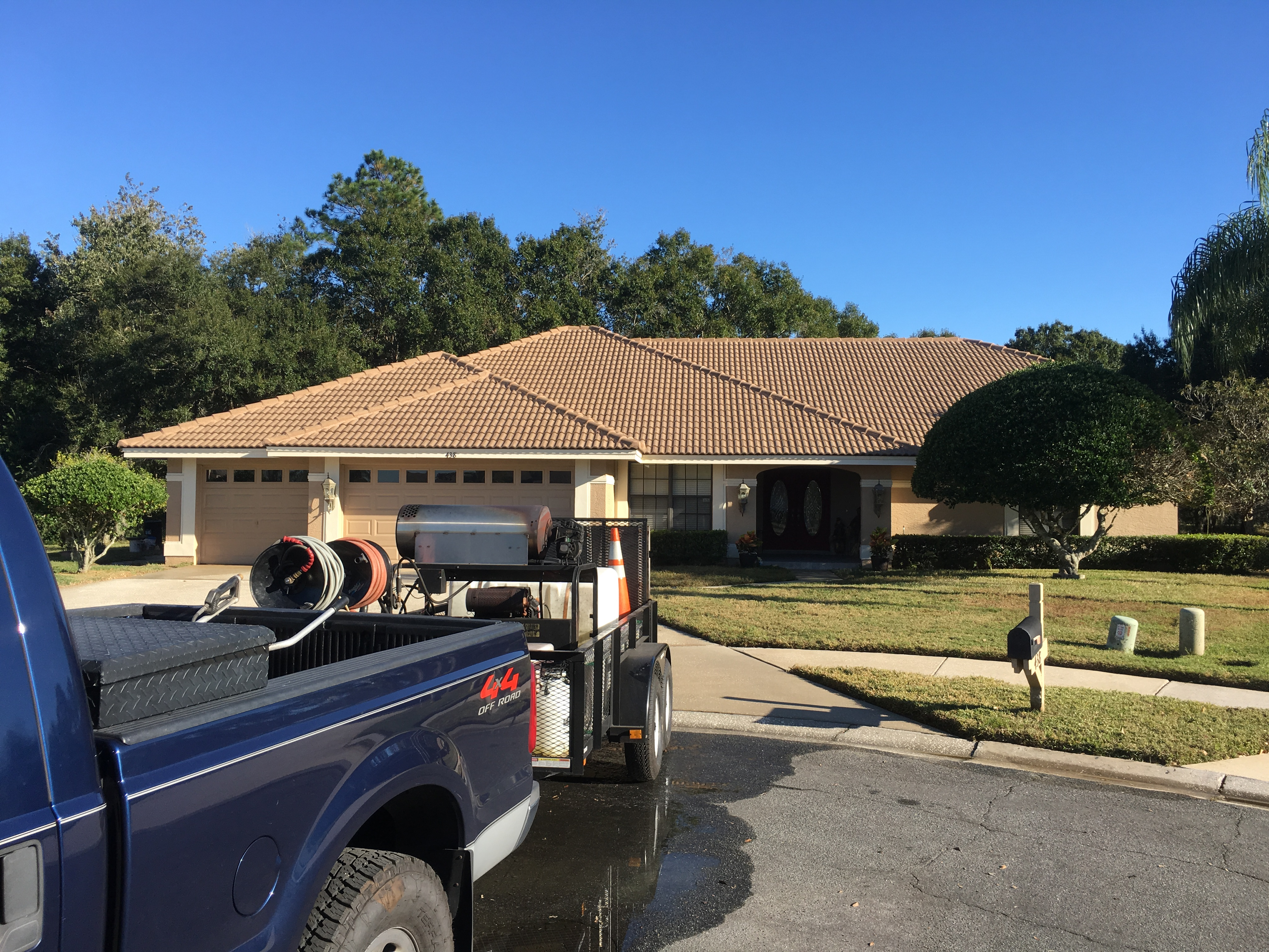 Pressure-Cleaning-Roof-Cleaning-Tarpon-Springs.jpg